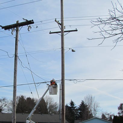 Stayton, Pacific Power dispute power pole costs