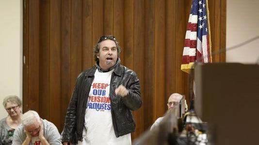 Online talk show host Pete Santilli speaks at a meeting of the Teamsters Local 100 Headquarters in Evendale.