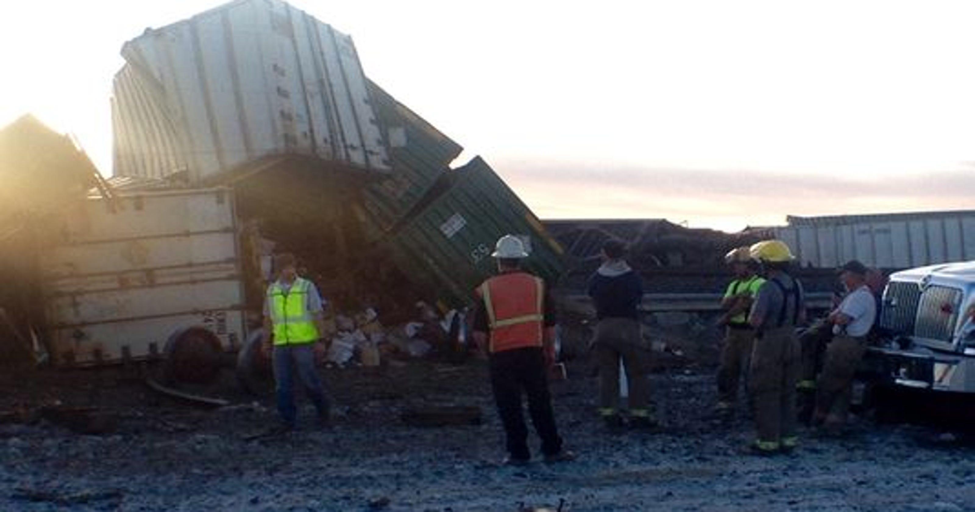 UPDATE: Derailed Nevada train delays 33 others