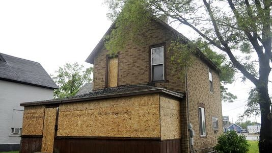 The St. Cloud City Council will meet Monday to discuss declaring a house a hazardous building.