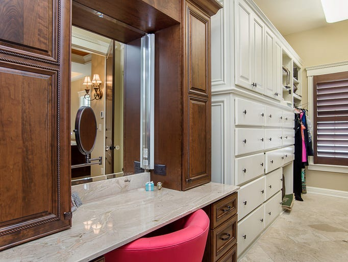 Hot property inside a estate in carmel 39 s west clay for 9 x 10 master bathroom