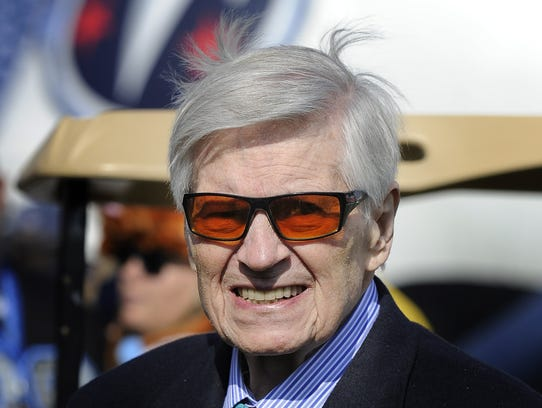 Bud Adams makes one of his final visits to Nashville