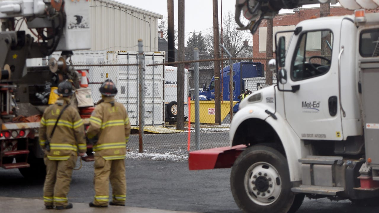 Transformer explosion leaves 1,500 without power. A transformer located at 300 N. 4th Street exploded Tuesday, Jan. 30 leaving more than 1,500 without power.