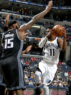 Memphis Grizzlies Mike Conley elevates to shoot while