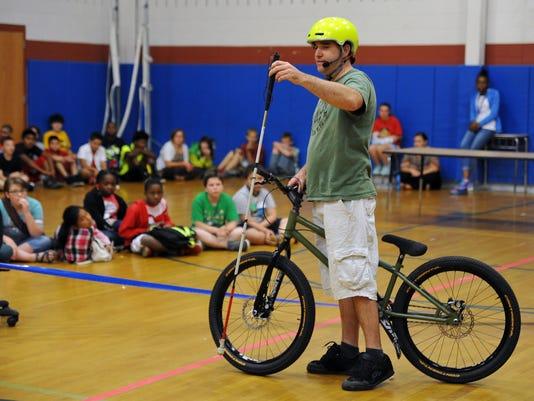 Trick bicyclist Matt Gilman 4