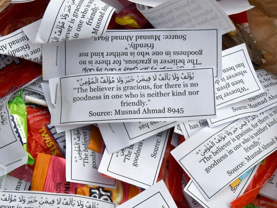 UT Muslim Student Association members handed out candy