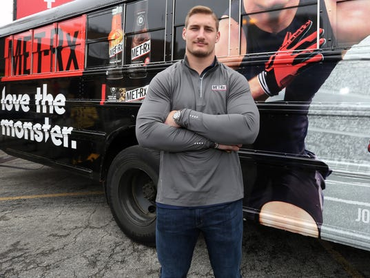 AP DEFENSIVE END JOEY BOSA KICKS OFF MET-RX PARTNERSHIP AT CHICAGO LAUNCH EVENT A CPASPO, CPACOM USA IL
