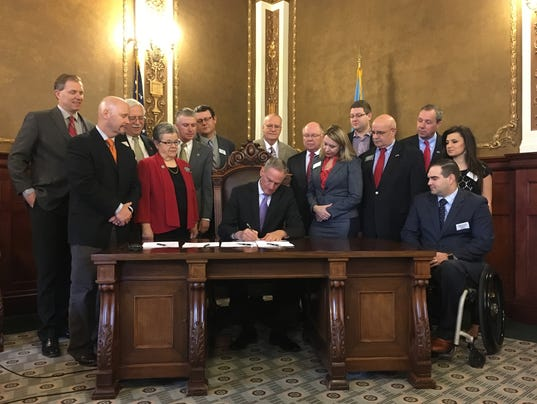 Gov. Daugaard signing ceremony