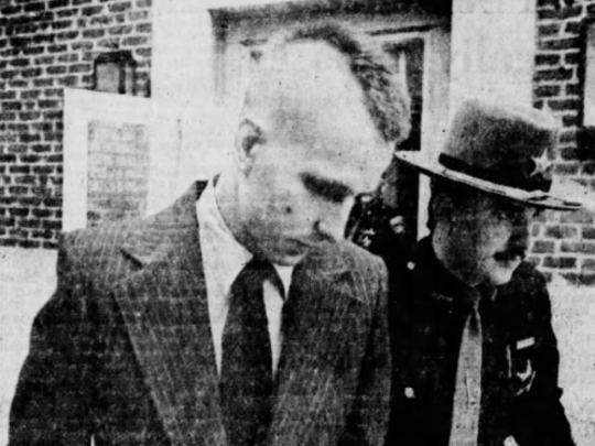 David Chapin, enters Clermont County Courthouse on the first day of trial March 7, 1979.