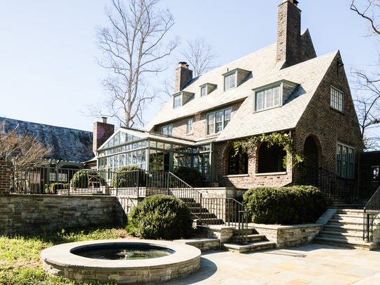 Gov. Bill Haslam's former home at 7112 Sherwood Drive,