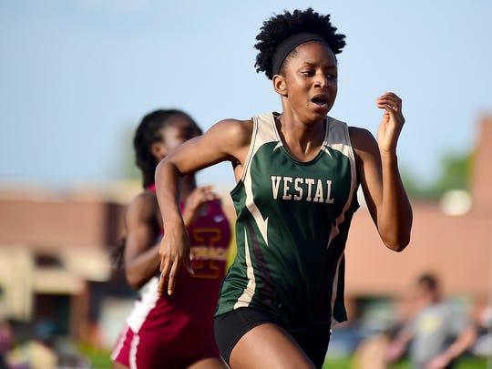 Jecholiah Stephenson of Vestal wins a final heat of