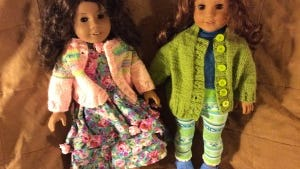 Here we have an Addy look-alike doll on the left and a rewigged Josefina on the right, wearing sweaters I knitted last week. Both are quick, top-down raglans following the pattern I published about a week ago.