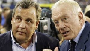 Chris Christie and Dallas Cowboys owner Jerry Jones (AP Photo)