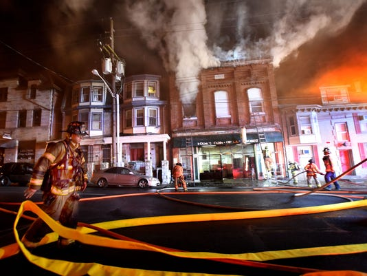 ldn-mkd-042316-9th-St-fire-14.jpg