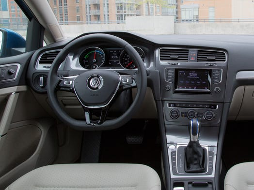 volkswagen prices its electric golf sedan. Black Bedroom Furniture Sets. Home Design Ideas