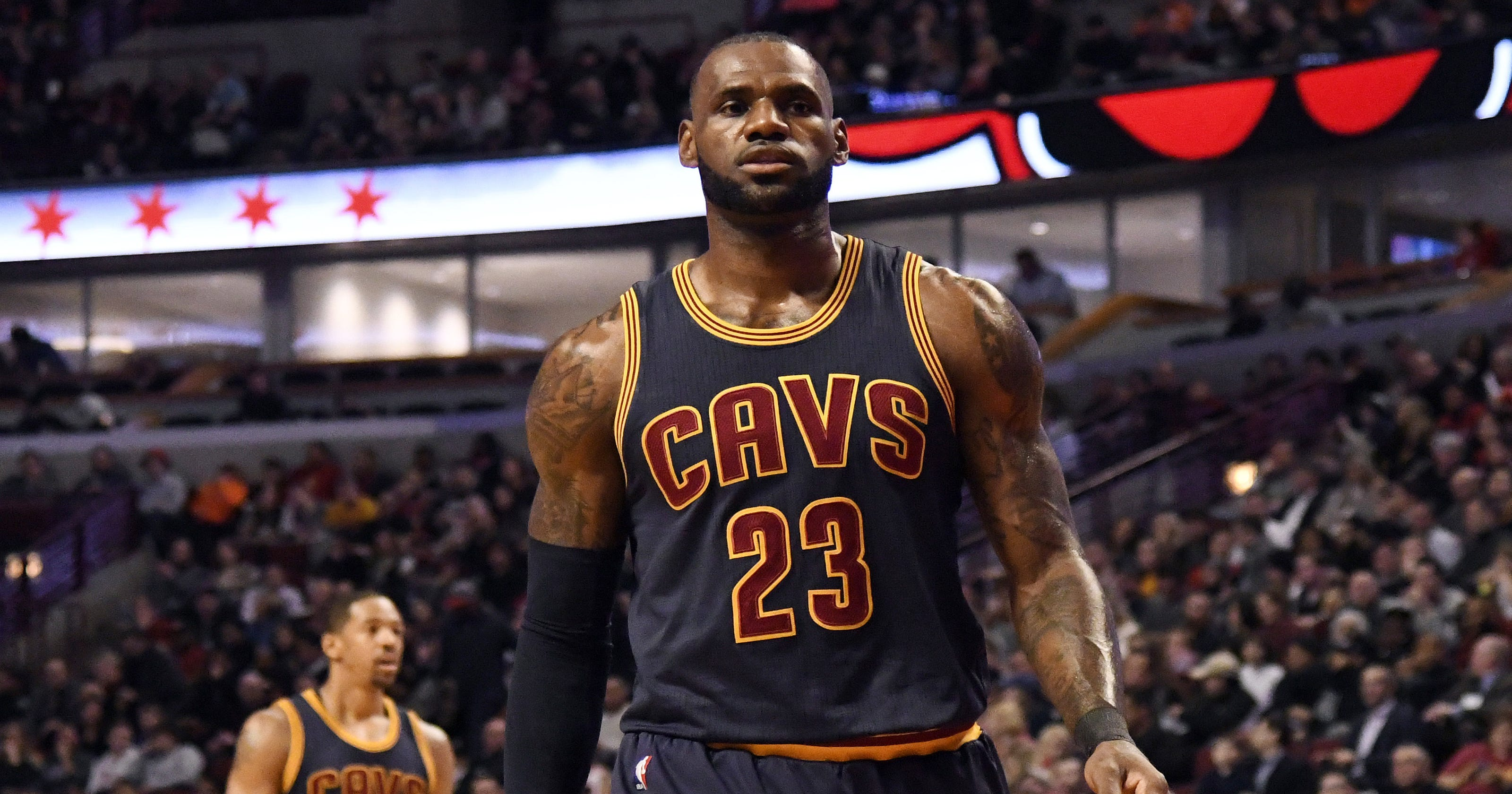 f2a7e9c9eca9 LeBron locked in for Game 4 as Cavs look to take 3-1 lead over Celtics