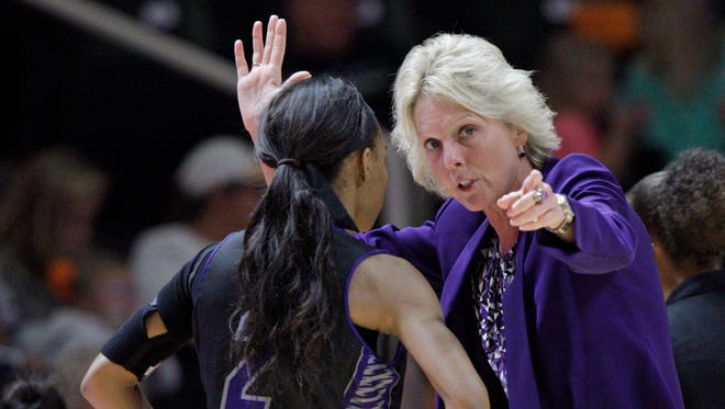 Central Arkansas coach Sandra Rushing instructs guard Rakia Lane during the first half of an NCAA college basketball game against Tennessee on Sunday, Nov. 15, 2015, in Knoxville, Tenn. (AP Photo/Wade Payne)