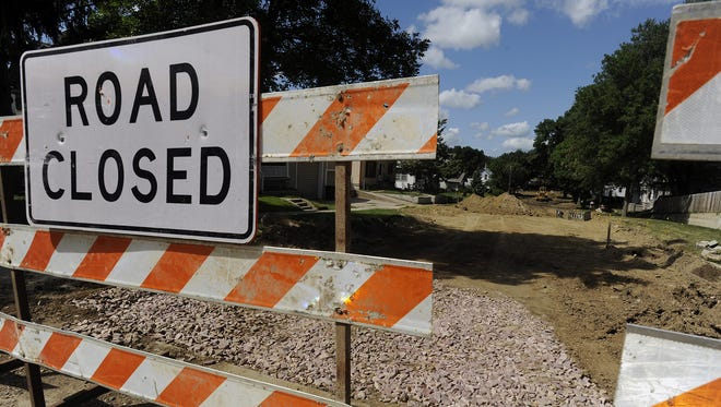 Lane closures are expected throughout Sioux Falls next week.