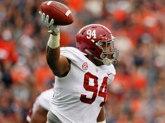 Alabama Crimson Tide defensive lineman Da'Ron Payne (94) looks like one of the best options who could possibly be available to the Dallas Cowboys in the first round of the NFL Draft.