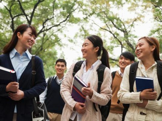 Increasing numbers of international students are attending American colleges and universities.