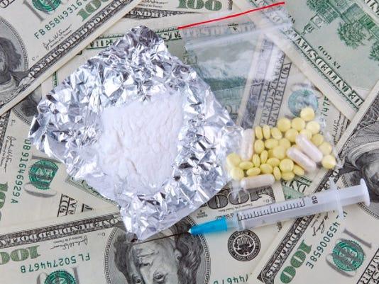 drugs and money thinkstock buradaki.jpg