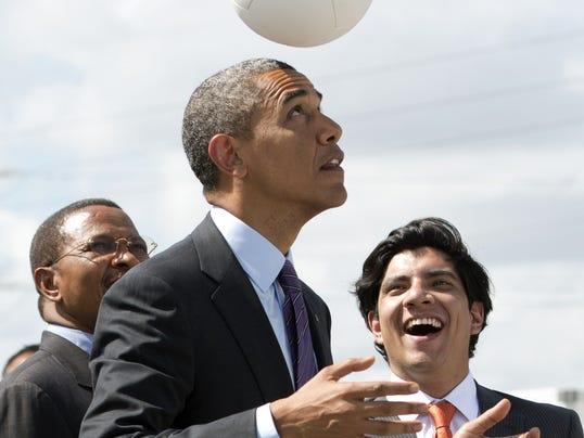 2014-05-28-obama-soccer
