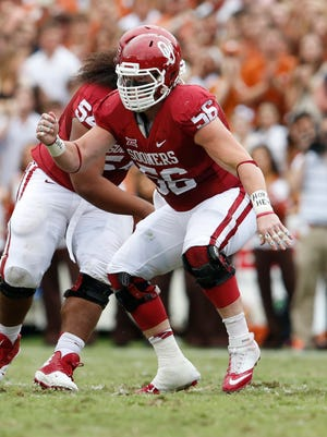 Oklahoma Sooners center Ty Darlington (56) was named a Campbell Trophy finalist.