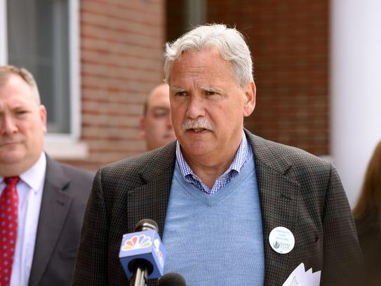 New Jersey Sierra Club Director Jeff Tittel speaks