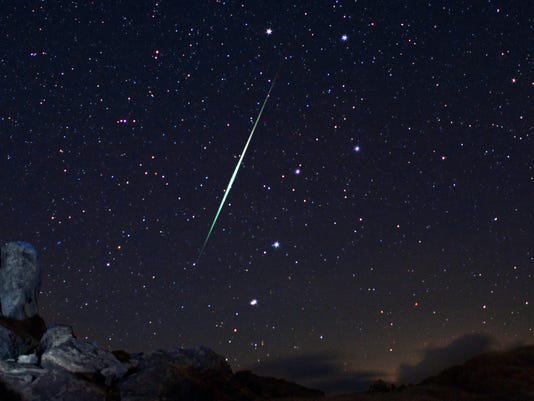 AP METEOR SHOWER A USA CA