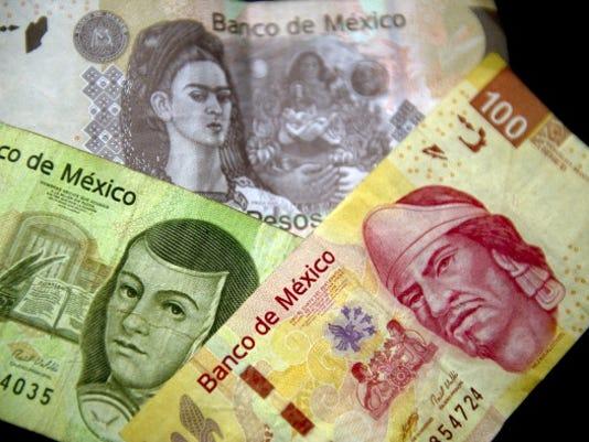 Drop in peso fuels worries in El Paso