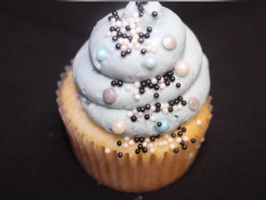 Last Call 4 Cupcakes in Pearl River is a bakery that