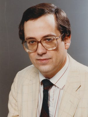 Indianapolis Star reporter Dick Walton in 1990. Walton, an investigate reporter, died Nov. 29, 2015, at the age of 62.