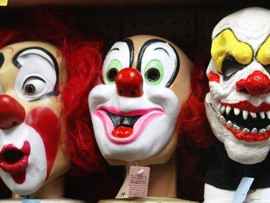 636101557360406916-clowns.jpg