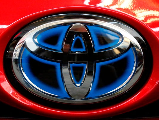 636609488960934912-AP-Toyota-Vehicle-to-Vehicle.jpg