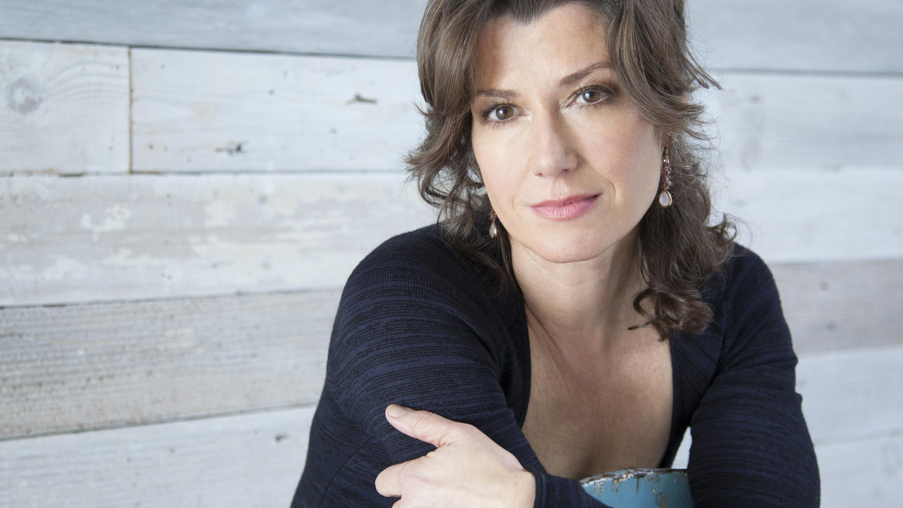 Dollywood Amy Grant Talks Singing In Park S Spring Mix Concert Series
