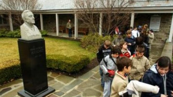 Students visit the FDR Library in Hyde Park.