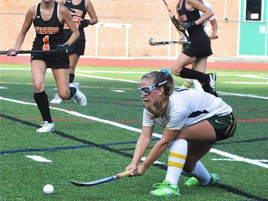 Lakeland's Kelsey McCrudden takes reverse shot vs.