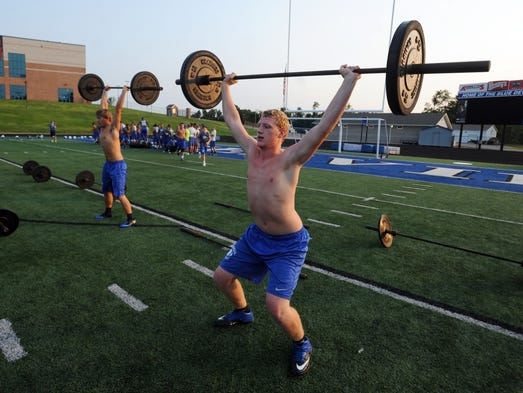 The Zanesville High School football has incorporated aspects of CrossFit training into its football conditioning program. The program combines muscle building with aerobic exercise and flexibility.