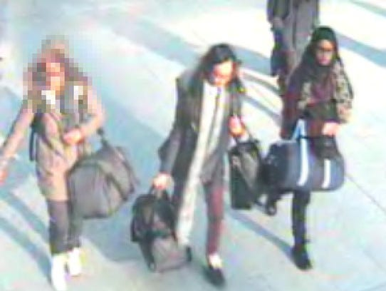 Scotland Yard released an airport surveillance photo