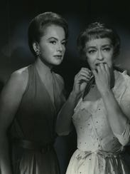 Bette Davis and Olivia de Havilland play strong-minded