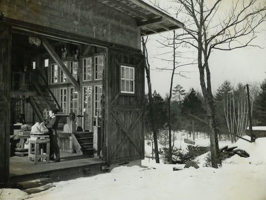 1940s-harvey-in-house-studio-01.jpg