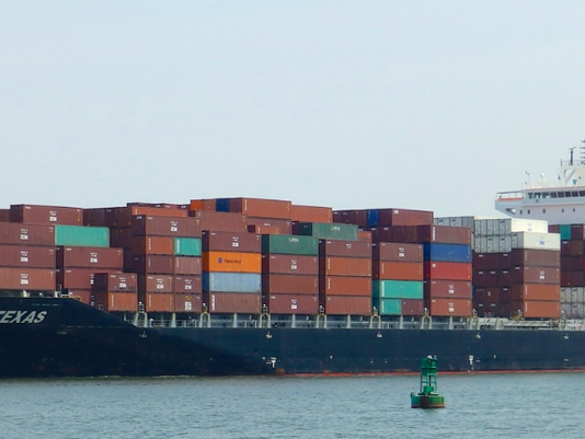 container-ship.png