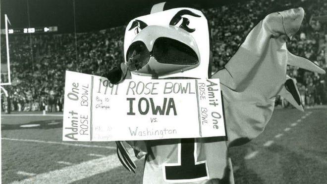 Herky the Hawk celebrates Iowa clinching a berth in the 1991 Rose Bowl.