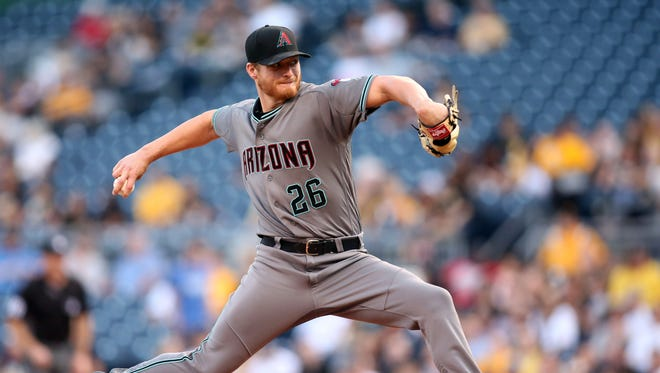 Arizona Diamondbacks starting pitcher Shelby Miller (26) delivers  a pitch against the Pittsburgh Pirates during the first inning at PNC Park.