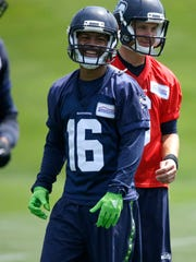 Seahawks wide receiver Tyler Lockett ran and caught