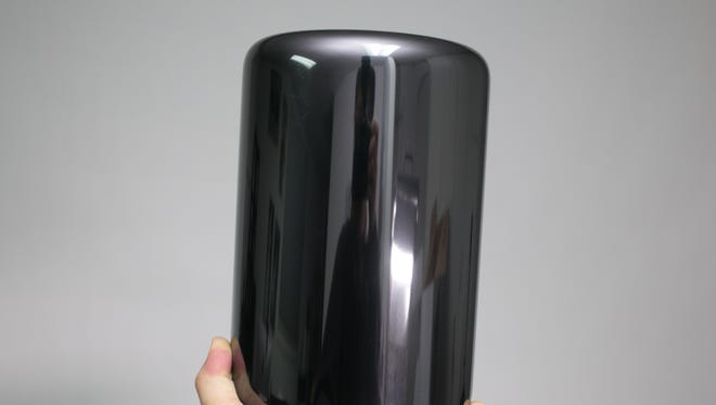 Apple's tiny MacPro is super powerful and looks like a garbage can.