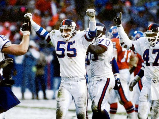 New York Giants great Gary Reasons will sign autographs and take fan photos on Sept. 10 at Green Knoll Grill in Bridgewater.