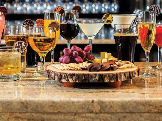 Chocolate sidecars can be placed on the rim of all kinds of drinks to add a sophisticated – and very sweet – touch.