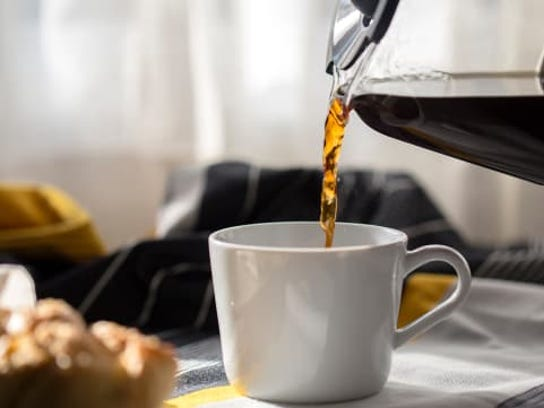 The new study showed that those who drank coffee before the discussion rated themselves and their fellow team members more positively than did those who drank coffee after the discussion.