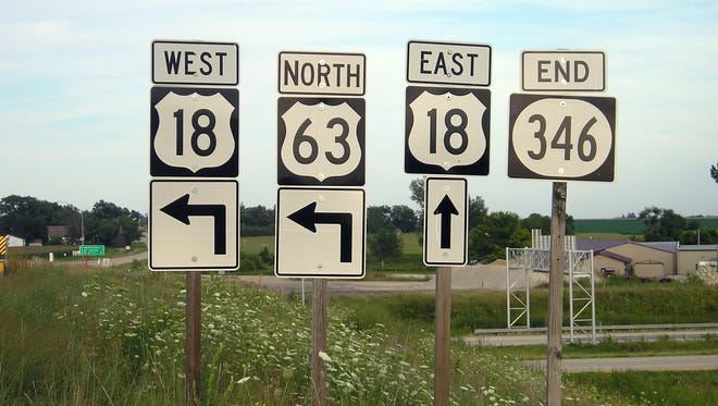 The east end of Iowa Highway 346 is located near New Hampton.